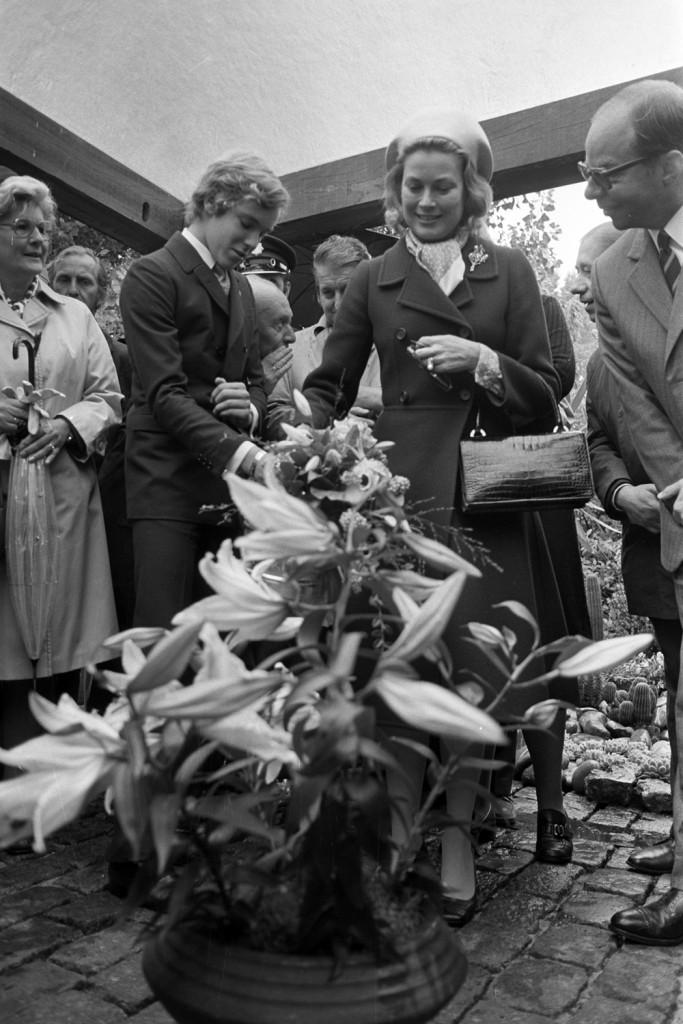 Grace van Monaco doopt lelie Prinses Gracia, 1972, Nationaal Archief