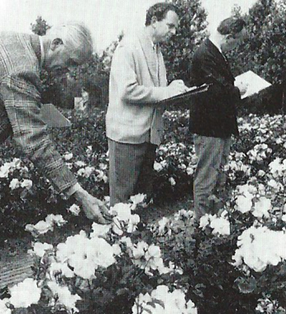 Jury beoordeelt de rozen , 1972, Catalogus Floriade 1972