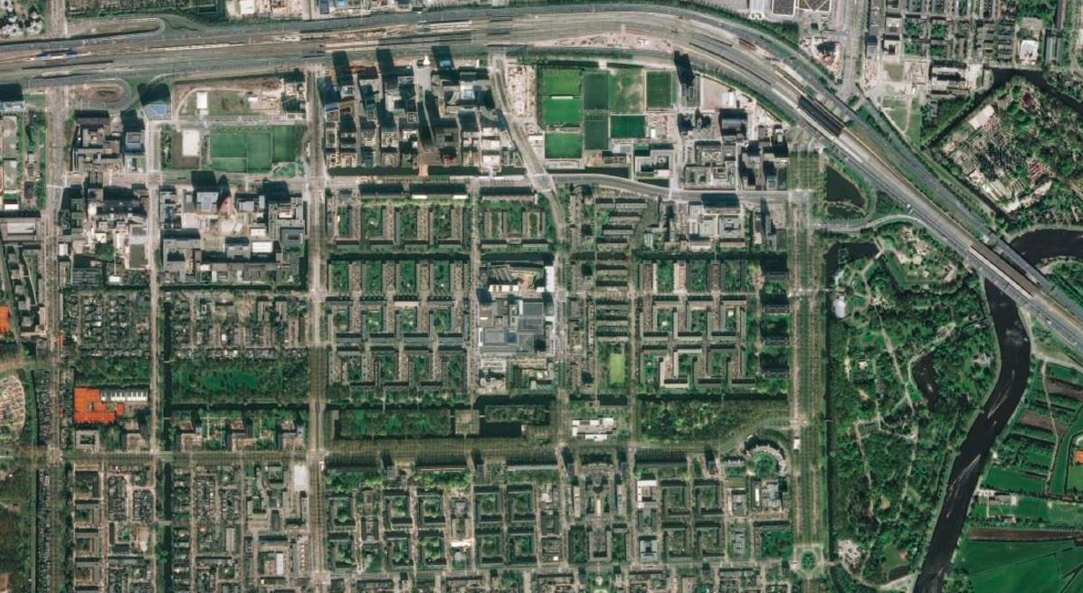 Luchtfoto van Zuidas en Amstelpark, bron: bingemaps.com